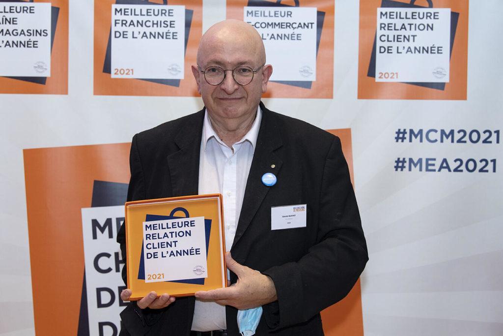 Atol Les Opticiens Reporte Également Le Trophée De La Meilleure Relation Client Du Secteur Distribution Spécialisée