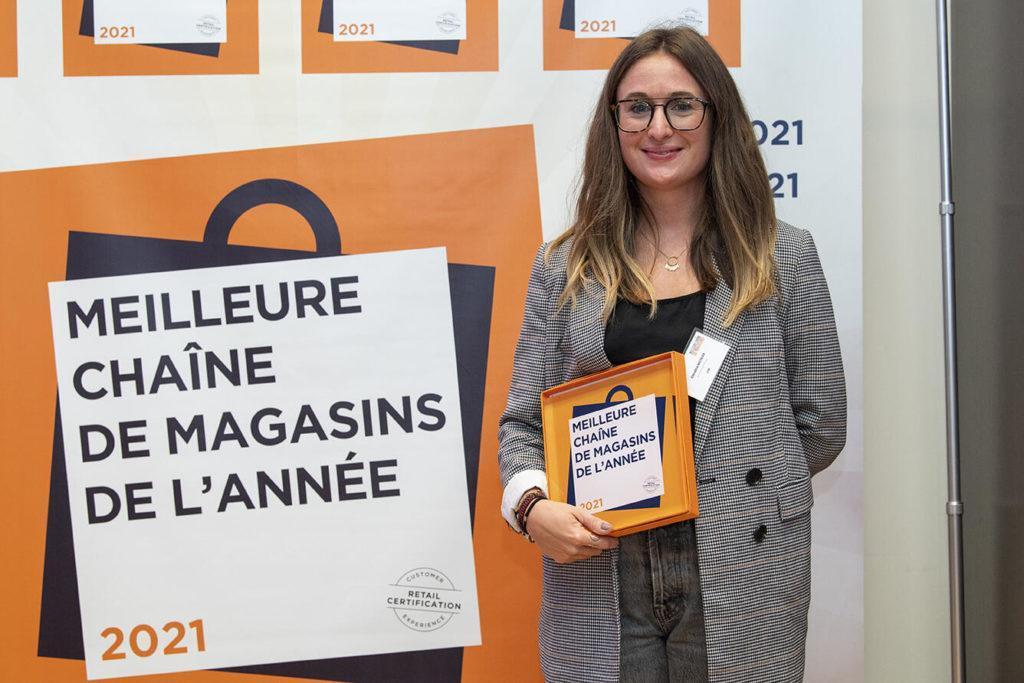 Candice NICOLAS, Qui Représente Lidl France, A Reçu Le Trophée Meilleure Chaîne De Magasins De La Catégorie Fruits Et Légumes