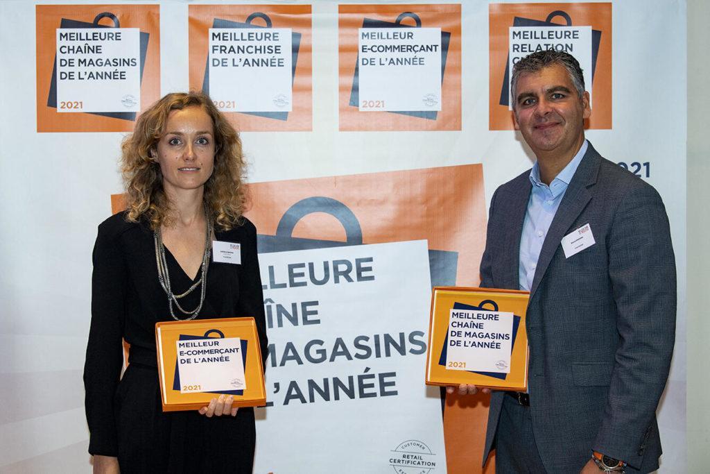Félicitations À L'enseigne Yves Rocher Qui Repart Avec Le Trophée Meilleure Chaîne De Magasins De La Catégorie Cosmétique Naturel & Bio